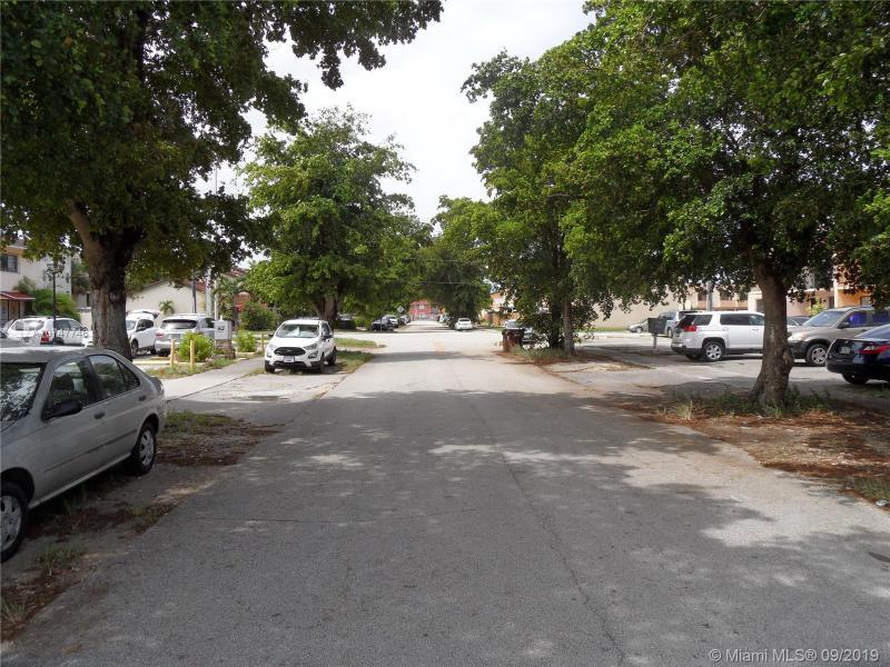 1790 W 58th St 1, Hialeah, FL, 33012