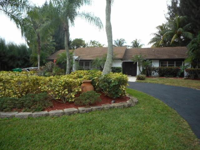 14620 Highland Springs Ct , Davie, FL 33325
