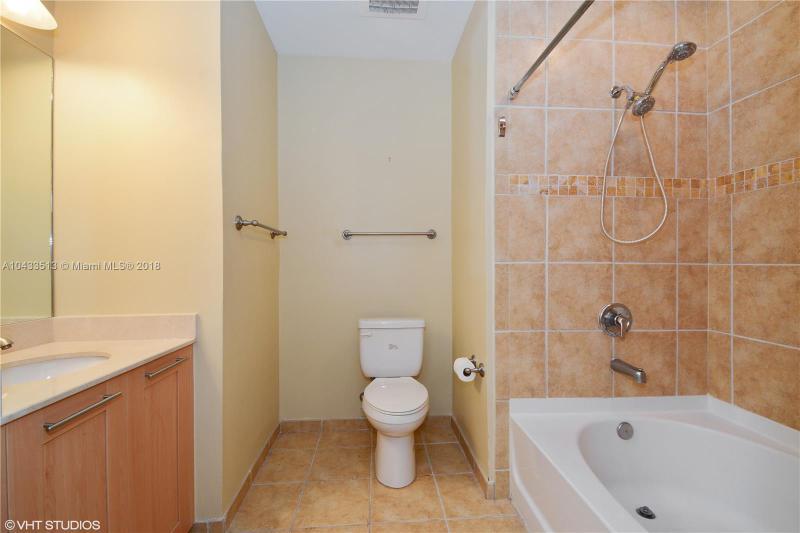 511 SE 5th Ave  Unit 2519 Fort Lauderdale, FL 33301-2983 MLS#A10433513 Image 12