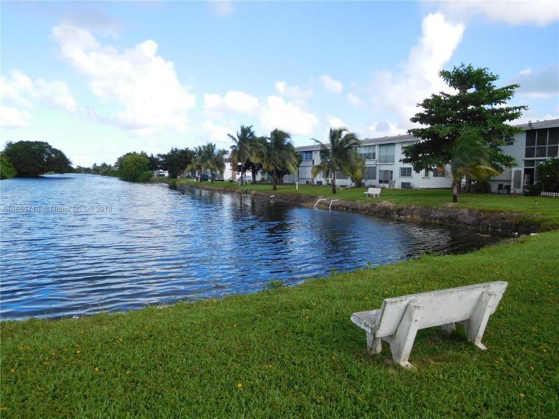 50 204th St, Miami Gardens FL 33169-2668