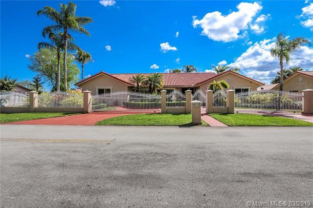 12002 SW 101st St,  Miami, FL