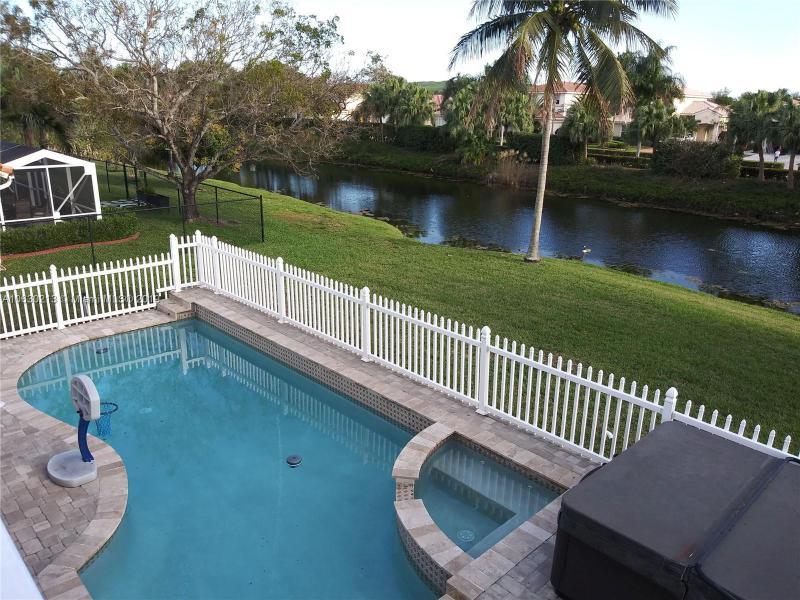 5488 NW 45th Way , Coconut Creek, FL 33073-5007