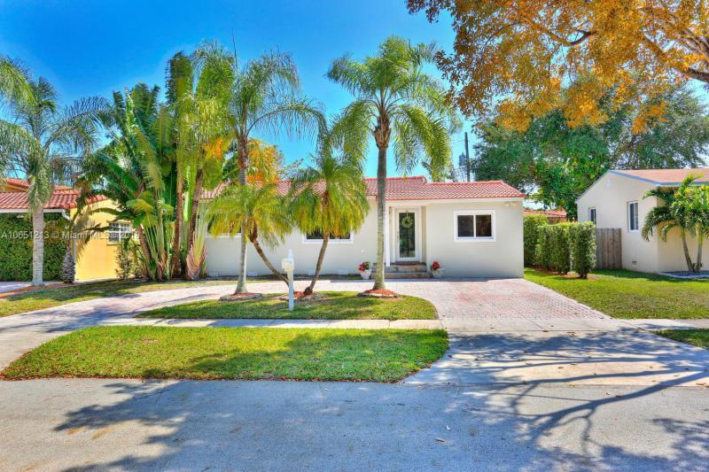 6361 SW 20th St , West Miami, FL 33155-1932