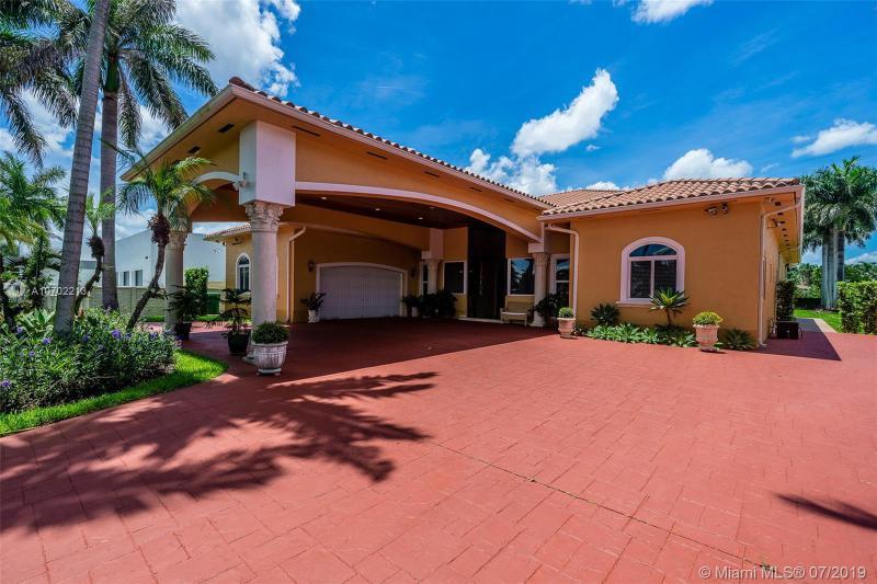 13747 SW 30 St,  Miami, FL