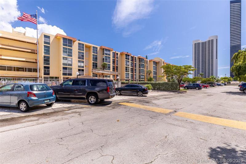 200 172nd St 216, Sunny Isles Beach, FL, 33160