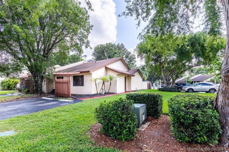 1651 NW 97th Way, Pembroke Pines, FL, 33024