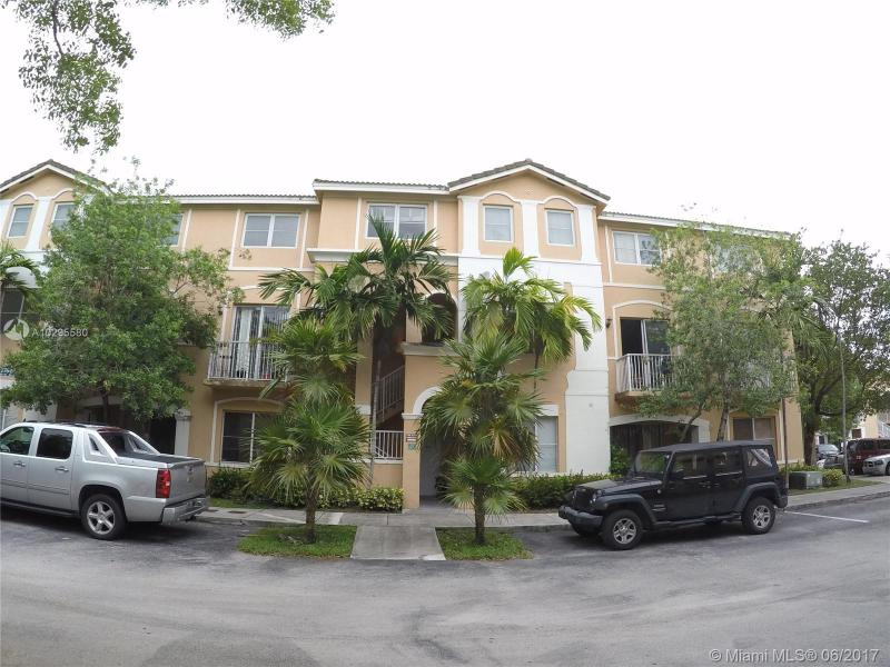 2955 80th St  Unit 203, Hialeah, FL 33018