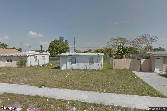 1786  Lauderdale Manor Dr , Fort Lauderdale, FL 33311-5349