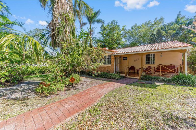 257  POCATELLA , Miami Springs, FL 33166-