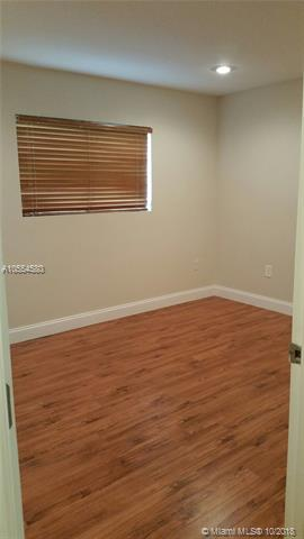 571 141st Ave, Pembroke Pines FL 33027-1520