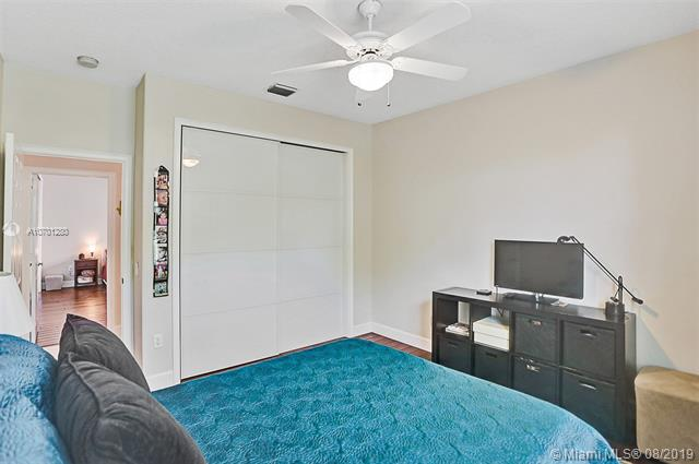 8402 SW 162nd Ter, Palmetto Bay, FL, 33157
