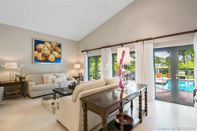 1101 W Cypress Dr, Pompano Beach, FL, 33069