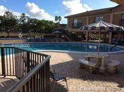 7220 SE Lake Cir Dr 403, Margate, FL, 33063