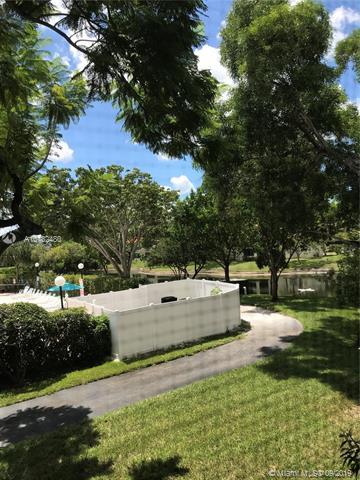 2212 S Cypress Bend Dr 205, Pompano Beach, FL, 33069