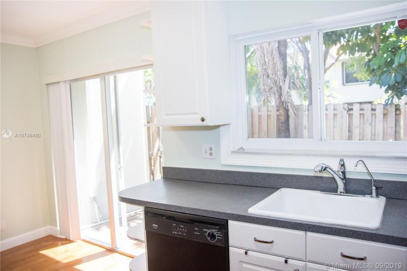 305 City View Dr 305, Fort Lauderdale, FL, 33311