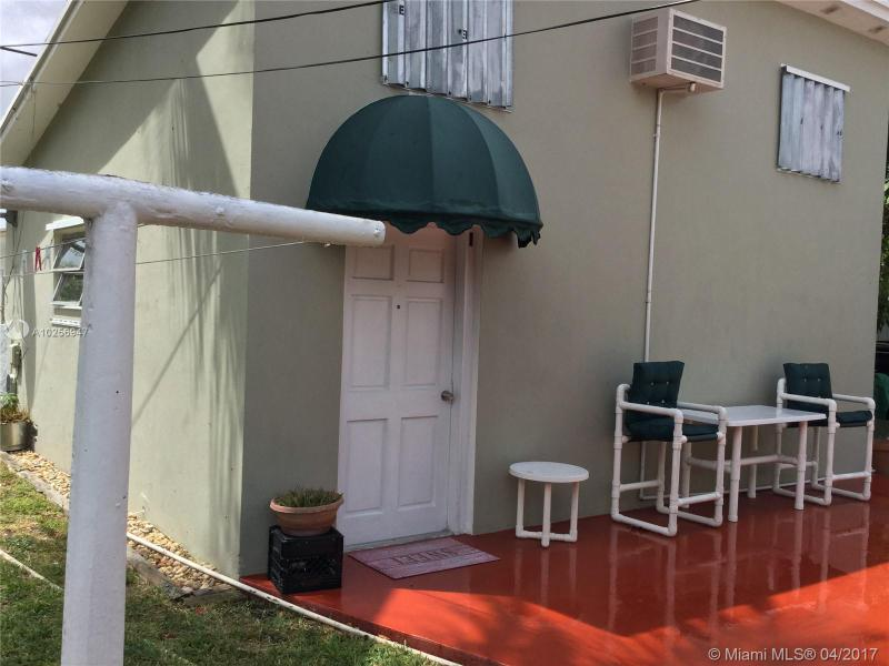 For Sale at  1466 NE 180Th St North Miami Beach  FL 33162 - Fulford By Sea Sec L - 4 bedroom 2 bath A10256947_13