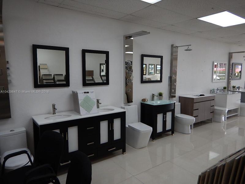 Commercial En Sale En Miami-Dade  , Doral, Usa, US RAH: A10429647