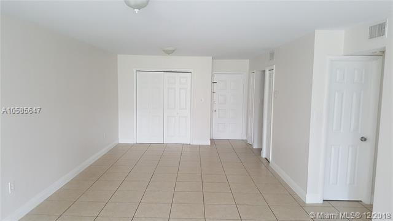 18338 NW 68th Ave , Hialeah, FL 33015-3431