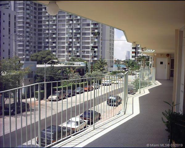 2899  Collins Ave  Unit 1520, Miami Beach, FL 33140-4421