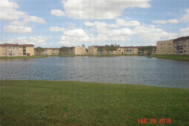 9061 Sunrise Lakes Boulevard, Sunrise FL 33322-