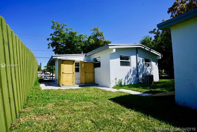 726 Phippen Waiters Rd, Dania Beach, FL, 33004