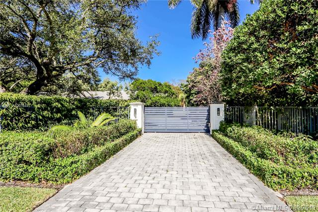 4755  Pine Dr,  Miami, FL