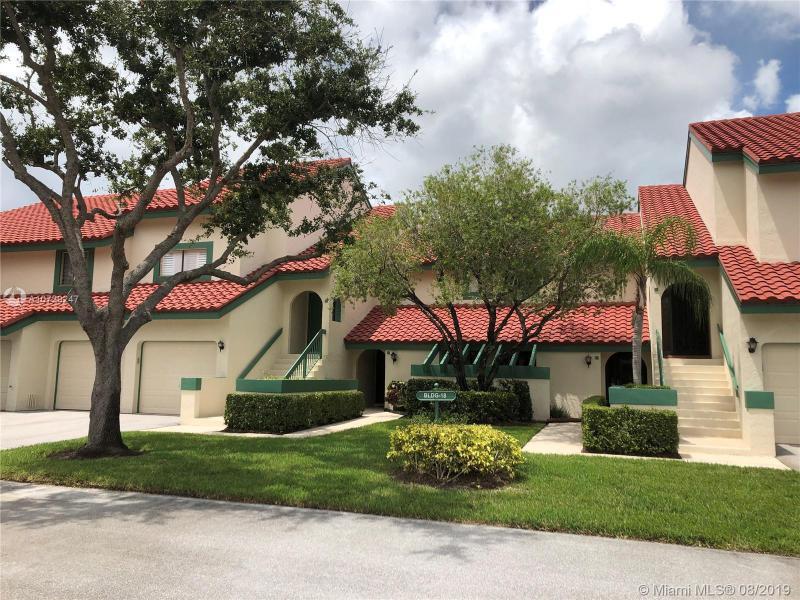 18 W Lexington Ln W,  Palm Beach Gardens, FL