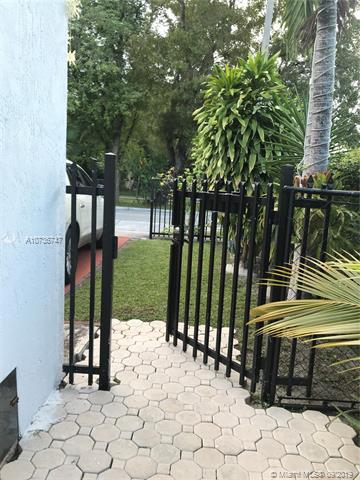 115 38 CT rear, Coral Gables, FL, 33134