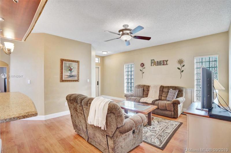 1268 NW 192nd Ter, Pembroke Pines, FL, 33029