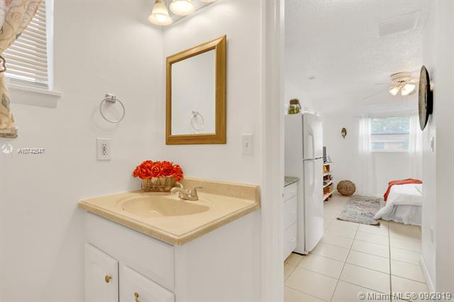 3824 Holiday Road Studio, Palm Beach Gardens, FL, 33410