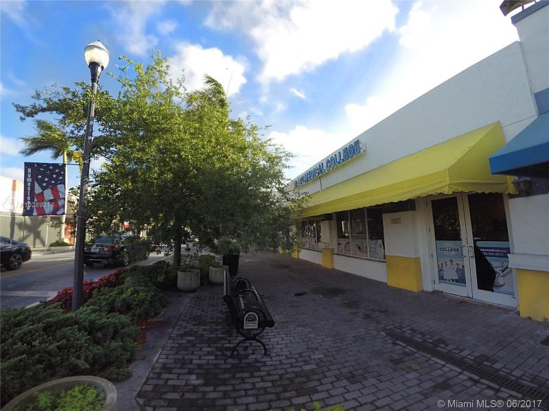 107 N Krome Ave,  Homestead, FL