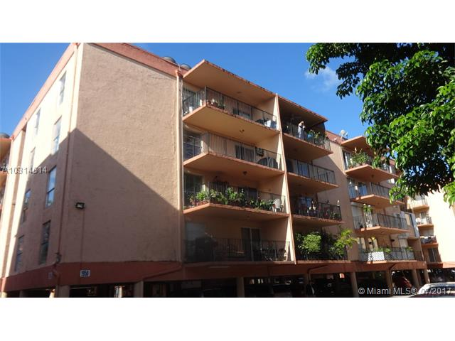1330 54th St  Unit 323, Hialeah, FL 33012
