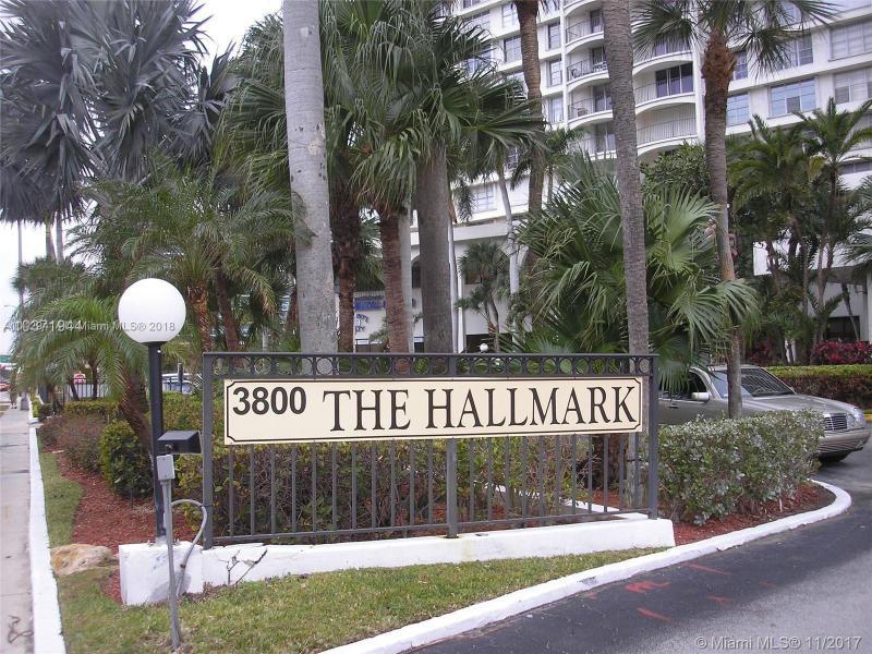 HALLMARK OF HOLLYWOOD CON HALL