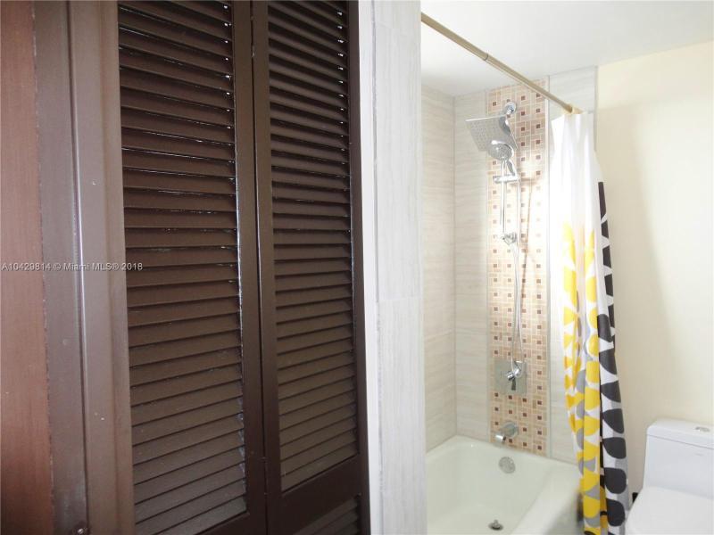 Imagen 16 de Residential Rental Florida>Hallandale>Broward      - Rent:1.970 US Dollar - codigo: A10429814