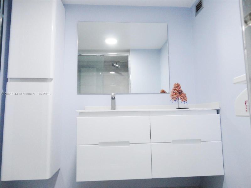 Imagen 19 de Residential Rental Florida>Hallandale>Broward      - Rent:1.970 US Dollar - codigo: A10429814