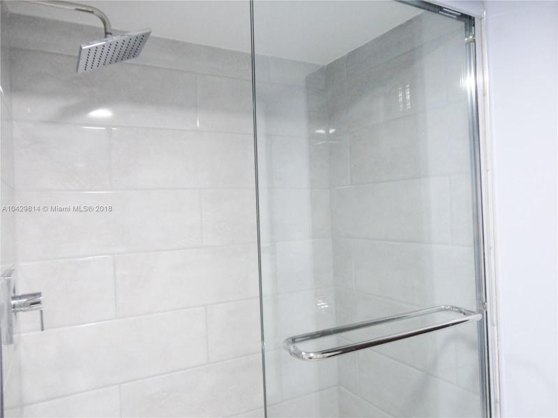 Imagen 20 de Residential Rental Florida>Hallandale>Broward      - Rent:1.970 US Dollar - codigo: A10429814