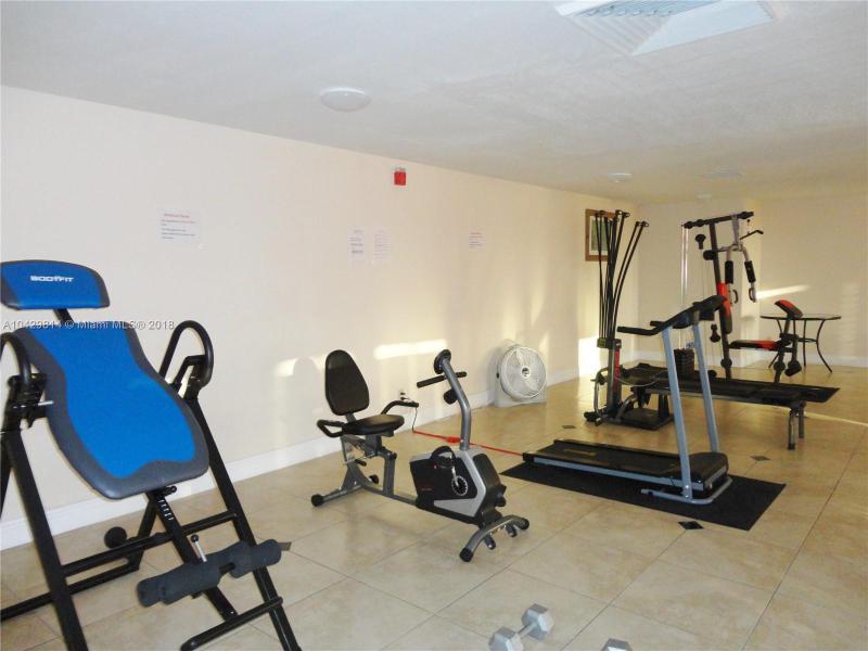 Imagen 27 de Residential Rental Florida>Hallandale>Broward      - Rent:1.970 US Dollar - codigo: A10429814