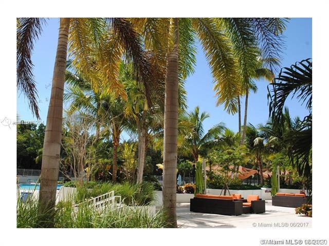 100 Bayview Dr 425, Sunny Isles Beach, FL, 33160