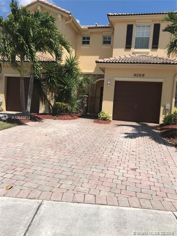 19310  Holiday Rd , Cutler Bay, FL 33157-8882