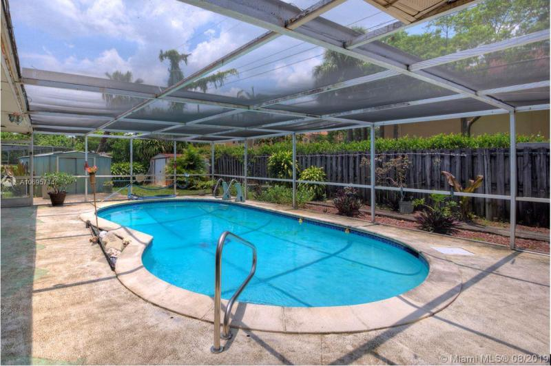 600 NW 78th Ave, Pembroke Pines, FL, 33024