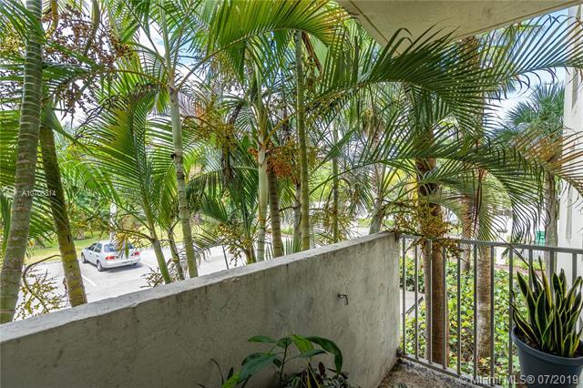 8950 SW 69th Ct 210, Pinecrest, FL, 33156
