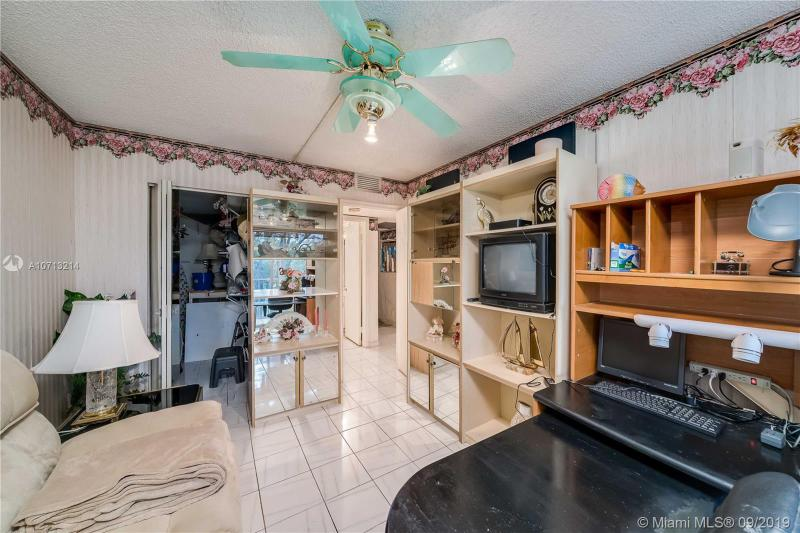 400 SW 134th Way 305F, Pembroke Pines, FL, 33027