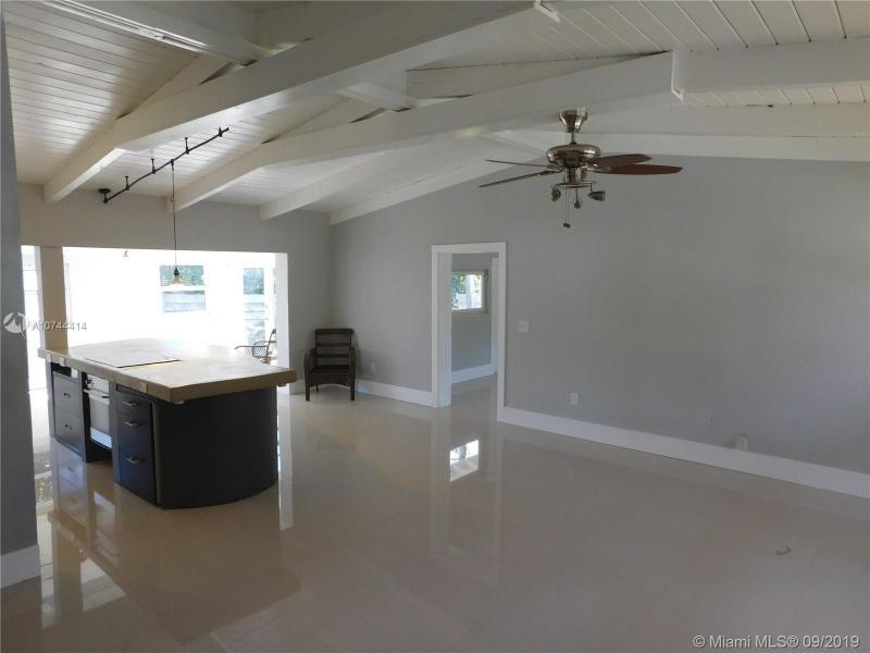 10 SE 6th Ct, Pompano Beach, FL, 33060