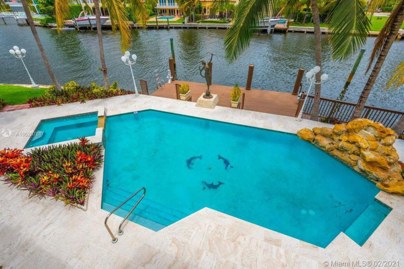 648 N Island Dr, Golden Beach, FL, 33160