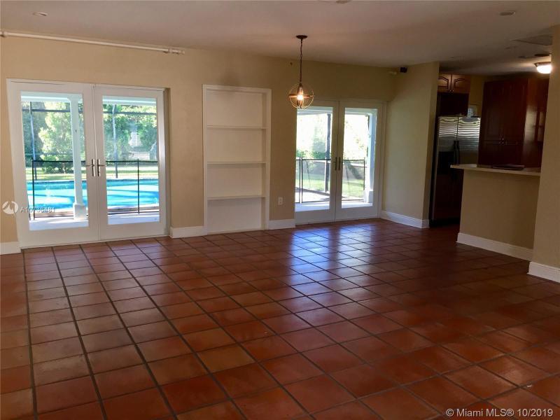 1114 Placetas Ave, Coral Gables, FL, 33146