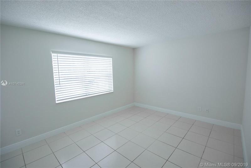 10477 NW 7th St 104, Pembroke Pines, FL, 33026