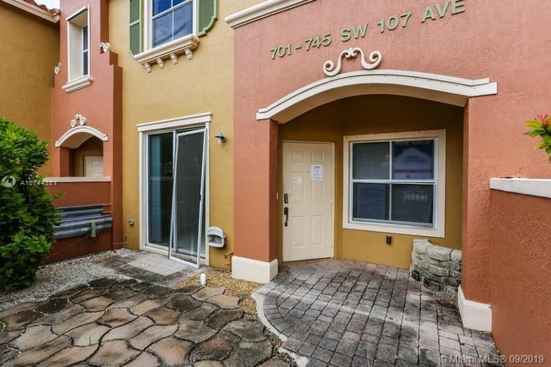 717 SW 107th Ave 2203, Pembroke Pines, FL, 33025