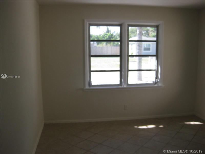 48 E 25th St, Riviera Beach, FL, 33404