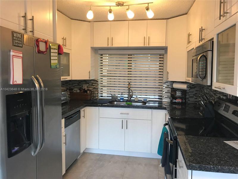 Residential Rental En Rent En Miami-Dade  , Hialeah, Usa, US RAH: A10423648