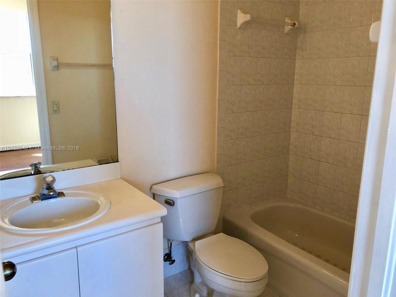 Imagen 24 de Single Family Florida>Miramar>Broward      - Sale:498.900 US Dollar - codigo: A10429848